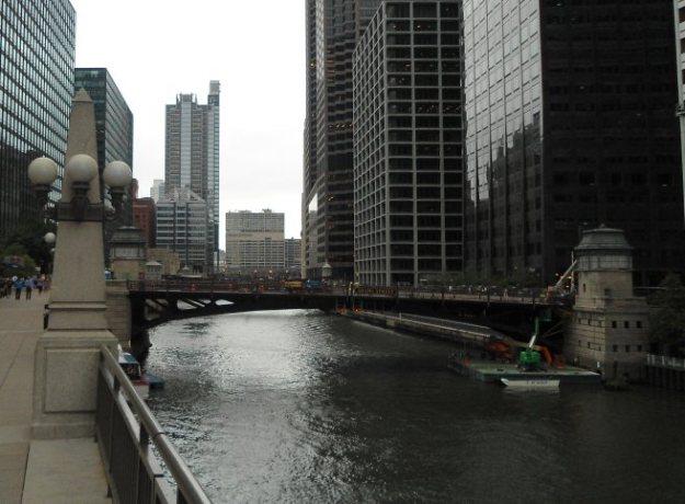 Chicago downtown river bridge