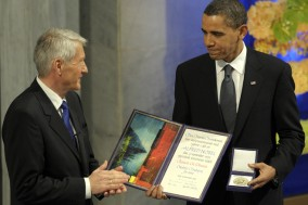 President Obama receiving Nobel peace prize.. Prematurely.