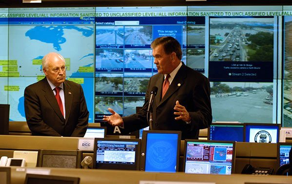 Dick Cheny & Tom Ridge inspect new DHS operations center Herndon, VA.
