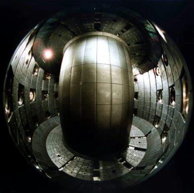 Magnetic confinement fusion