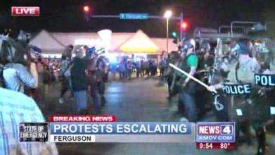 clashes between protesters and police continue in Ferguson Mo