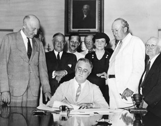 signing-social-security-law-president-roosevelt