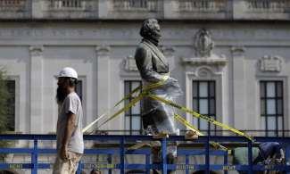 Jefferson Davis statue removed