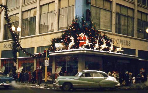 Minneapolis_downtown_Powers_dept_store_1950s