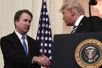 brett_kavanaugh_shaking_hands_trump